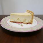 クレーム プリュス - 濃厚ベイクドチーズケーキ(税込399円)