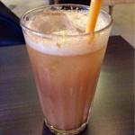 レインボーバードランデヴー - 特製ジンジャードリンク(Ice/Soda) 610円