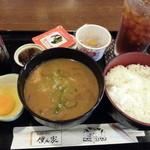ぼくんち - アイスティー+豚汁セット 700円