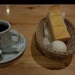 40730625 - ホットコーヒーのモーニング