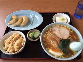 ラーメン永幸 - Aセット650円!(ラーメン小?、混ぜご飯、餃子、冷奴)