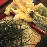 40732978 - 6種類の野菜天と2尾の海老天の蕎麦
