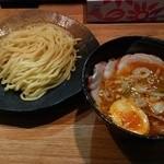 つけ麺屋 やすべえ - 【2015/8】辛つけ麺(並)+チャーシュー味玉セット