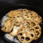 花たぬき - 蓮根のチーズ焼き カレー風味¥390