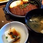 やよい軒 - 料理写真:味噌かつ煮定食。