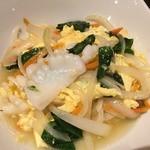 40739226 - 麺菜家北斗青山店(紋甲イカと卵の塩味炒め)