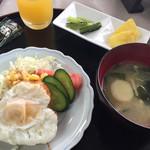 乗瀬高原荘 - 朝食  ハート型の目玉焼き