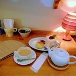TEA ROOM Yuki Usagi - テーブル風景。