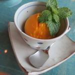 カフェレストラン 瀬里家 - 季節のジェラート、マンゴー¥350(税別)