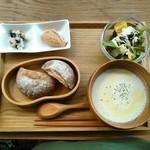 マメゲンカフェ - 冷たい豆乳スープ箱根麦畑セット
