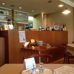 タントタント - 厨房☆ 左手にもテーブル有り〼
