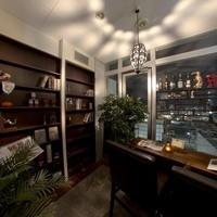 dining bar古酒楽 - この中に店内へ入る扉が隠されています。