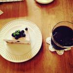 ホビット - ブルーベリーチーズケーキ