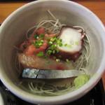魚や きてれつ - お刺身(マダコ・鮪中おち・イサキ・しめサバ)