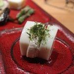 小田原おでん本店 - 前菜;かまぼこチーズ
