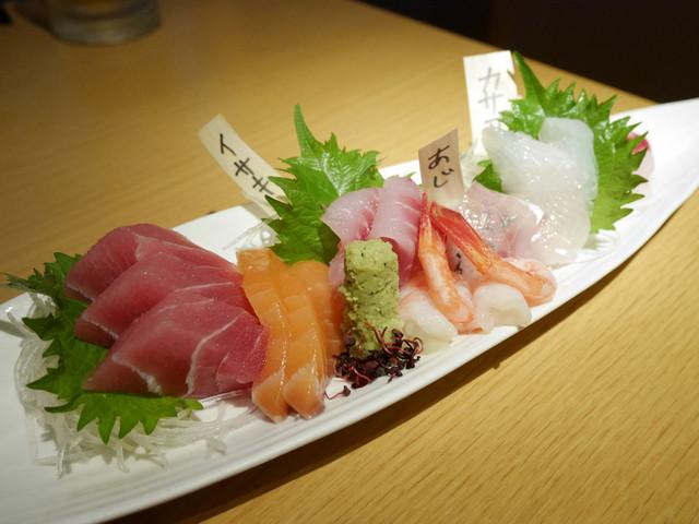 沼津港直送の海鮮と創作料理 ゆうが沼津 - 刺身盛り合わせ ¥クーポン!