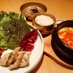 水刺齋 - スンドゥブチゲ&ミニポッサム