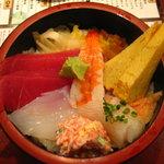 活 大江戸 - 海鮮ちらし丼500円