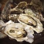 かき小屋フィーバー - ( ;´Д`)焼き牡蠣✨ 焼けたましたよぉー♪ #広島牡蠣 #プリウマ #ジルでヤケドする #殻満タンw