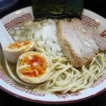 味玉・中細ストレート麺