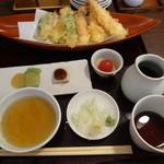 長岡屋 - 天ざるには前菜と豪華天ぷらが付きます