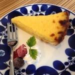 ヒカリ キッチン - Cチャンのれもんケーキ350yen レモンの酸味が爽やか♪