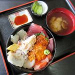 長谷川食堂 - びっくり海鮮丼(2015/08/08撮影)