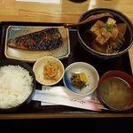 つくしんぼ - Aセット(鯵みりん干し、牛肉豆腐、ライス、漬物、味噌汁)