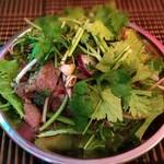 チルアウト - 厚切り牛タンのヤムヌア
