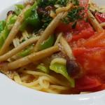 Ginsai 銀座 - フレッシュトマトと甘長とうがらしと山えのきのパスタ
