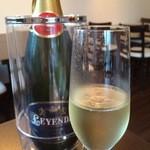 ワインカフェ - スパークリングワイン