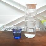 リュボン デ フリューティー アン カフェ - お水