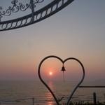 40793274 - この場所から見る夕日はとても綺麗なんです。