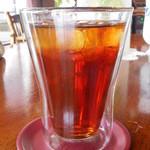 ティールーム 赤いやね - ガラス二重構造の器