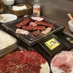 (卸)調布食肉センター - いや~、焼肉って楽しいですよね~♪