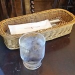 シャーロックホームズ - テーブルの上の様子