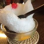 新村こうじ店  - 見た目もかわいい氷みつ豆