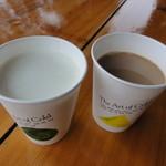 40802037 - ガーンジィ牛乳とコーヒー牛乳各250円