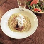 カフェ ラ・ボエム - 釜揚げシラスのペペロンチーノ