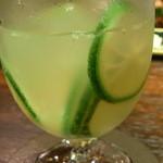 Bar Agit - 柚子のスライスが気前良く☆♪ 食べたら美味しかったw