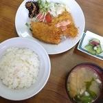 あきば食堂 - ハムカツ&イカフライ定食