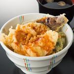 七福 弁天庵 - いかと季節野菜の天丼