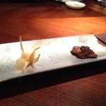 """40810503 - 2015年8月 シェフズテーブルにて、東京の""""セララバード""""のお料理を頂きました♪[折り鶴]右手がホロホロ鳥の、フォアグラ!"""