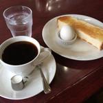 珈門 - 料理写真:珈門ブレンドコーヒー (モーニング付) 350円