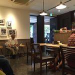 Paper Back Cafe - 店内
