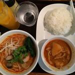 ワンディッシュタイ - トムヤムクンビーフンとマッサマンカレーセット880円