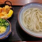 香房 - かしわ天湯だめ3個 715円(税込)