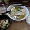 ○修 - 料理写真:サービスセット(らーめん、もつ煮、ライス)700円