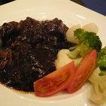 トラットリア ウーノ - 牛ほほ肉のワイン煮込み