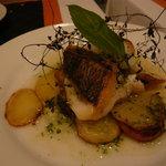 トラットリア ウーノ - 魚の香草焼き